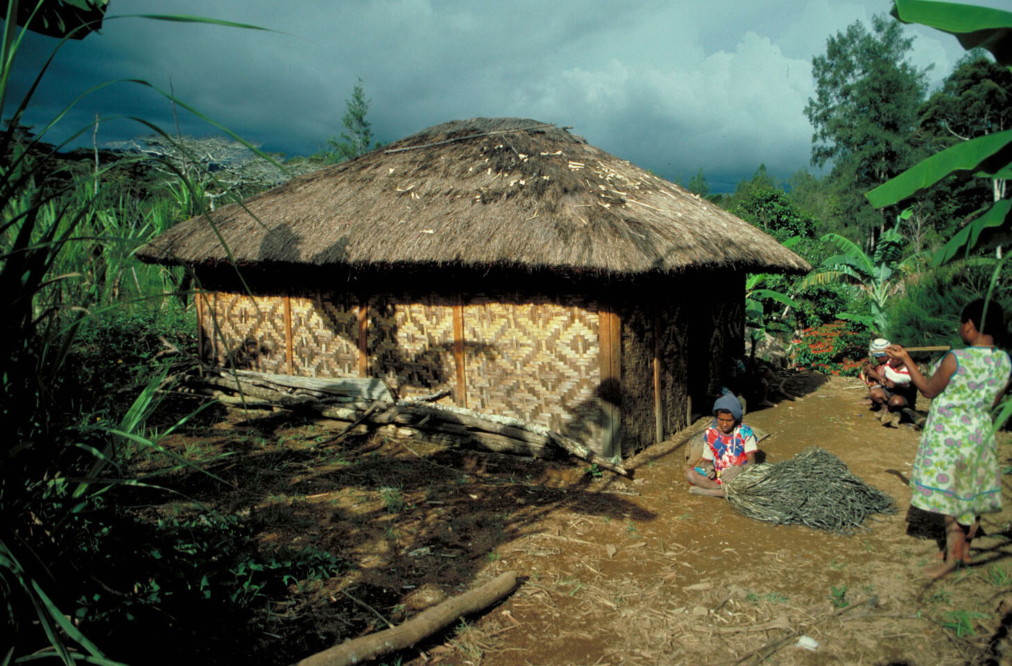 """""""Last year they burned our house"""" – Papua New Guinea"""